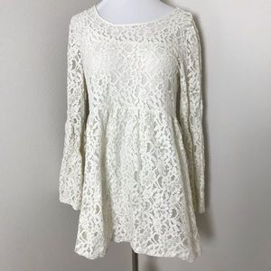 2/$15 Forever 21 Lace Bell Sleeve Boho Tunic